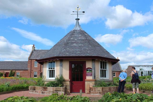 Summerhouse, Education Garden