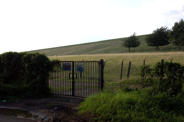 Gate to Queen Mother Reservoir embankment