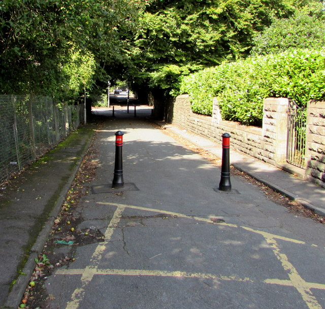 Metal posts at the western end of Wingfield Road, Whitchurch, Cardiff