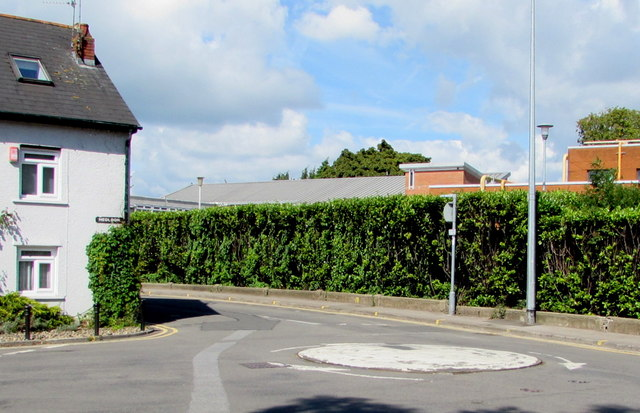 Mini-roundabout in the middle of a T-junction, Whitchurch, Cardiff