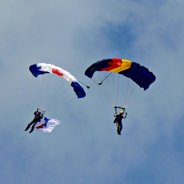 Parachutists, Gloucestershire Vintage & Country Extravaganza 2017, South Cerney Airfield