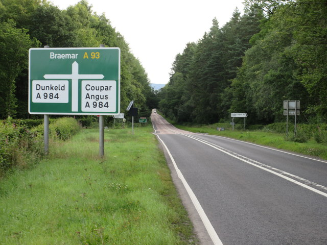 The A93 heading north to Blairgowrie
