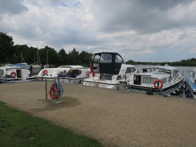 Boats on Malthouse Broad