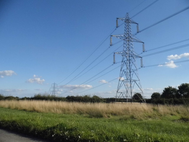 Pylons by Oxford Road near Boarstall