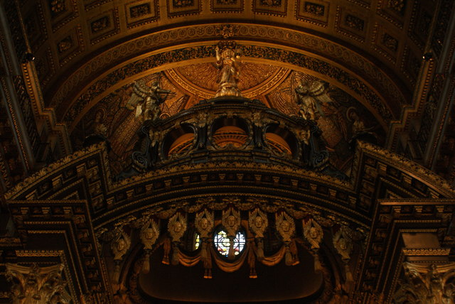 Looking up at the altar in St. Paul's Cathedral