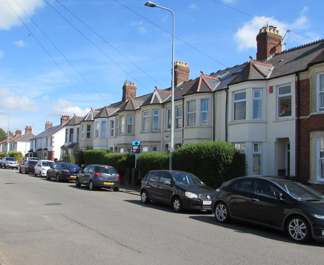 On-street parking, Heol Don, Whitchurch, Cardiff