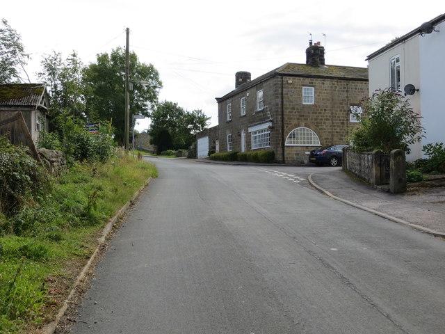 Road junction in Kettlesing Bottom