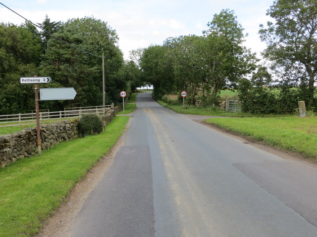 The junction of Sleights Lane with Back Road near Wayside Farm
