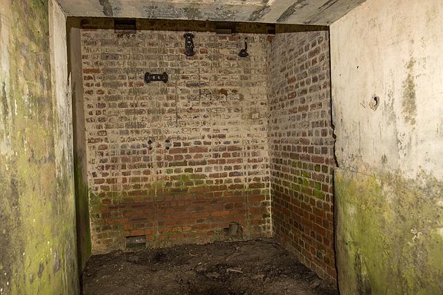 North Wales WWII defences: RAF Nefyn - Chain Home Radar Station - Third Bunker (10)