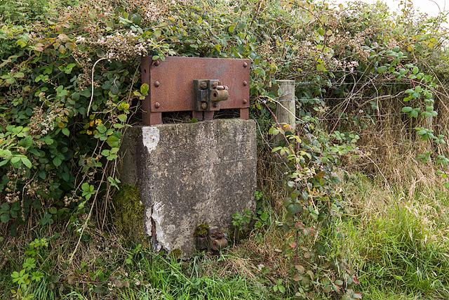 North Wales WWII defences: RAF Nefyn - Chain Home Radar Station - antenna halyard balance weight (14)