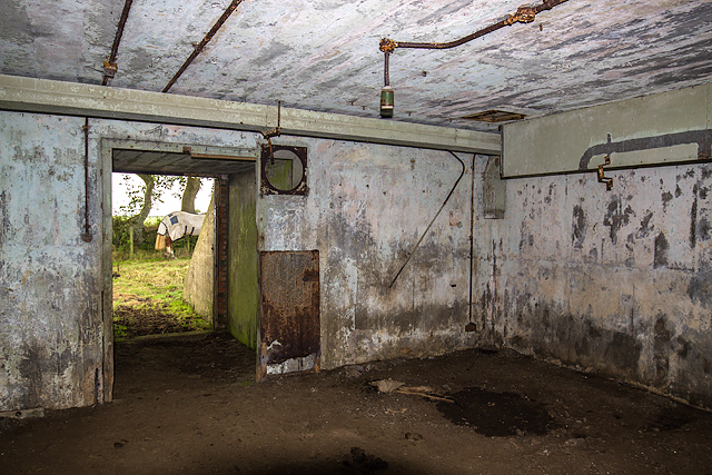 North Wales WWII defences: RAF Nefyn - Chain Home Radar Station - Sixth Bunker (17)