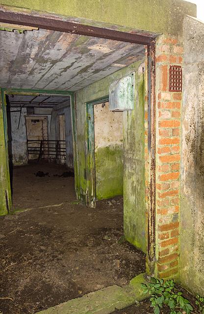 North Wales WWII defences: RAF Nefyn - Chain Home Radar Station - Sixth Bunker (18)
