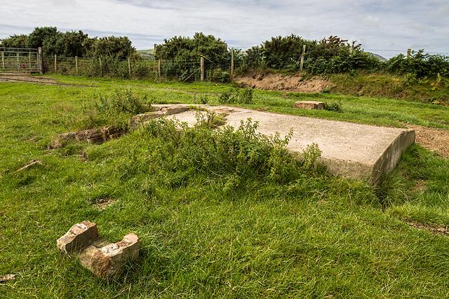 North Wales WWII defences: RAF Penrhos - loopholed shelter (11)