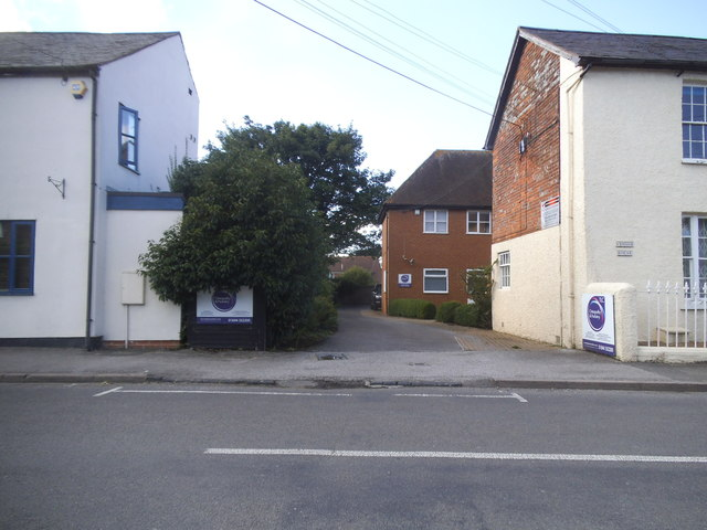 Houses on Lower Icknield Way, Chinnor