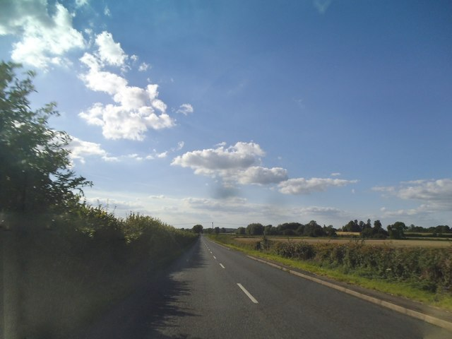 Thame Road leaving Chinnor