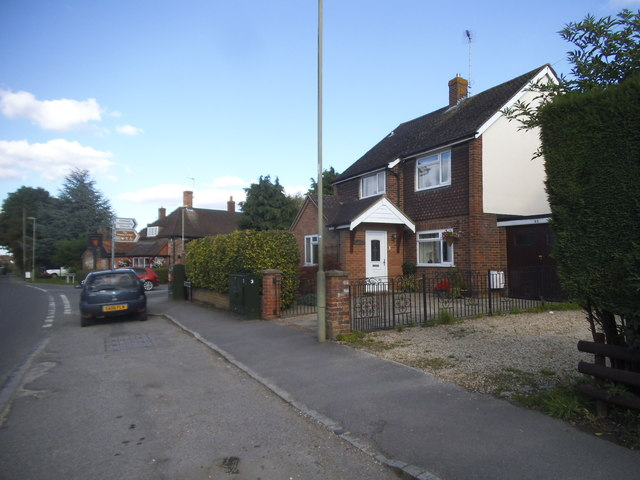 Lower Icknield Way, Chinnor