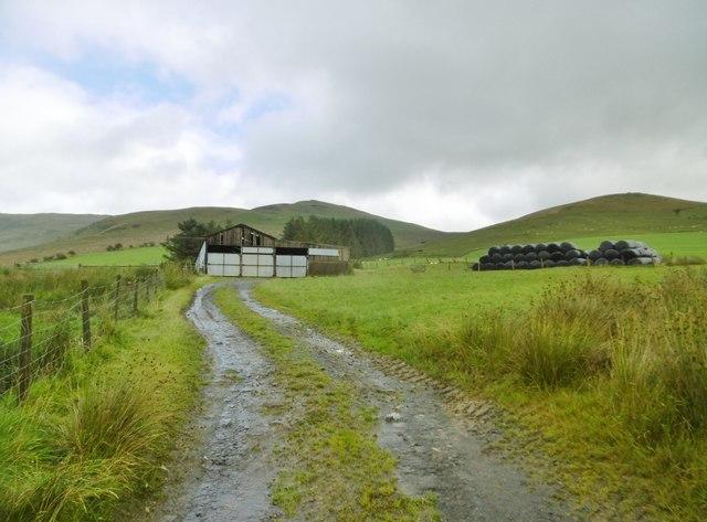 Tyn-y-Ffridd, farm buildings