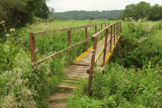 Footbridge over the Cary