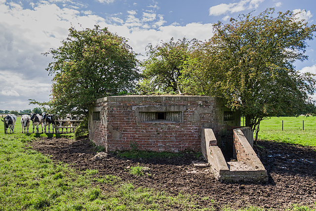WWII Cheshire, RAF Cranage, near Middlewich - pillbox (10)