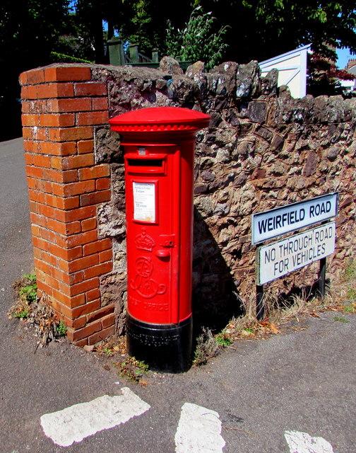 King Edward VII pillarbox, Weirfield Road, Minehead