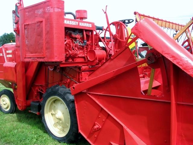 1950s Massey-Harris 735 combine harvester - detail