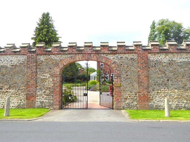 Gateway to Sheraton Park