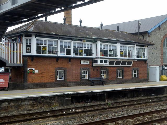 Totnes station signal box