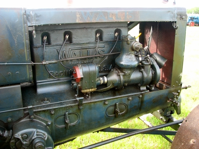 Massey-Harris Wallis tractor - engine