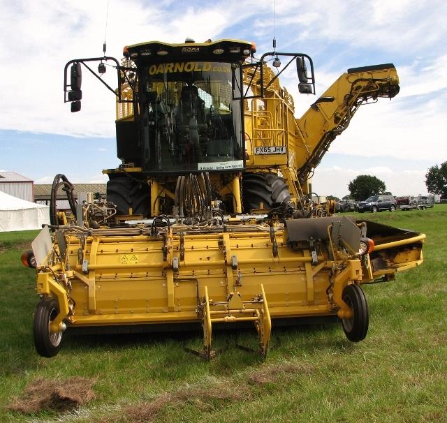 """ROPA """"Tiger 5"""" sugar beet harvester"""