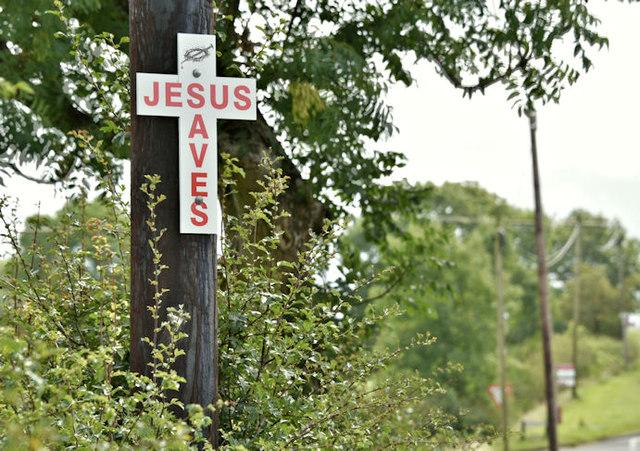 """Jesus Saves"" sign, Craigarogan, Mallusk (August 2017)"