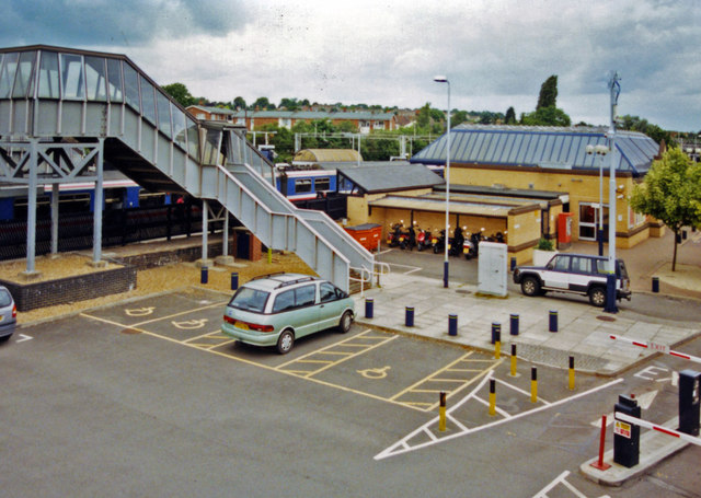 Leighton Buzzard station, car park on Up side 2001