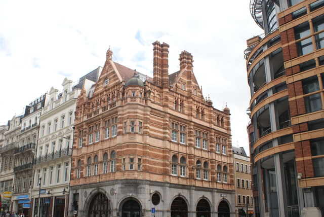 View of 45-47 Ludgate Hill from Ludgate Hill