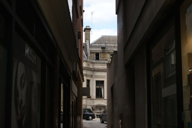 View up Stationers' Hall Court from Ludgate Hill