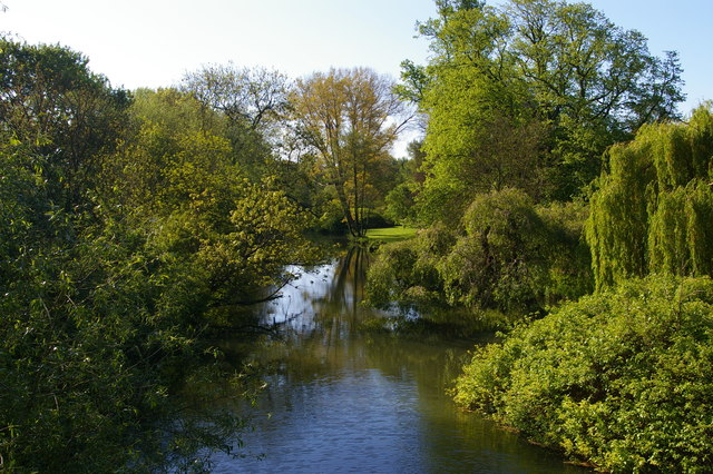 View downstream from High Bridge over the Cherwell, University Parks