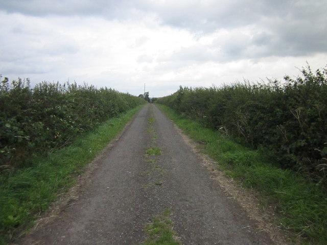 Footpath to Iddenshall Grange
