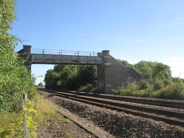Footbridge over the railway near Newton