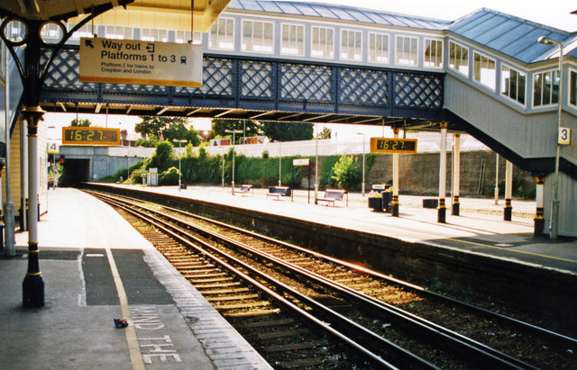 Lewes station, westward towards Brighton, 2000