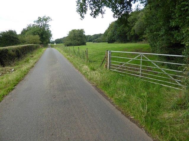 Road to Madgetts Farm