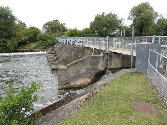 Weir at Little Wittenham