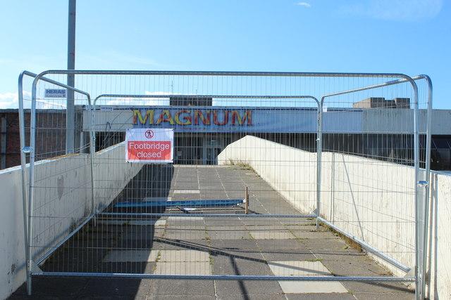 Footbridge to the Old Magnum, Irvine