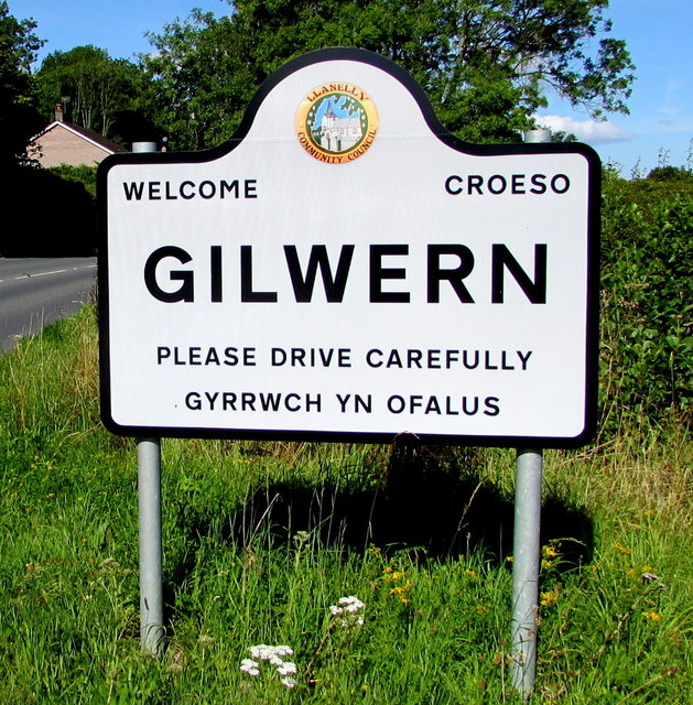 Gilwern boundary sign