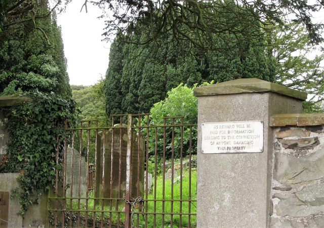 The gate to the ruined Templecranny church and graveyard