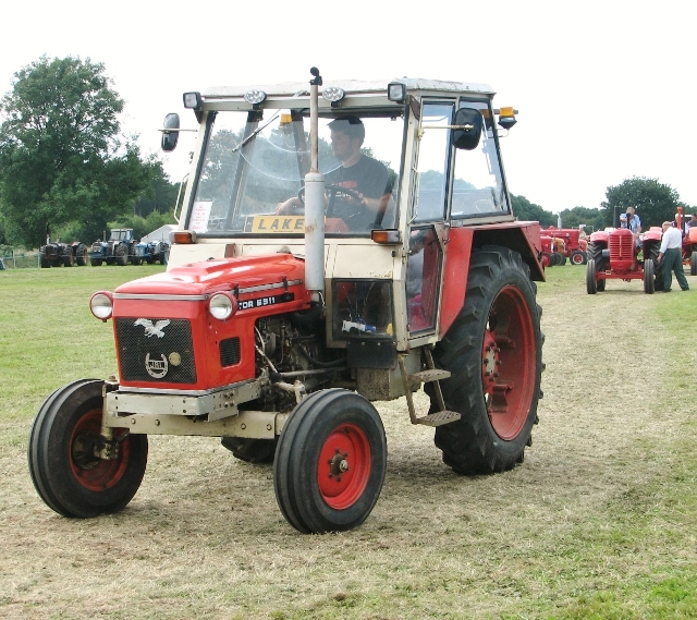 Zetor 6911 tractor in the parade ring