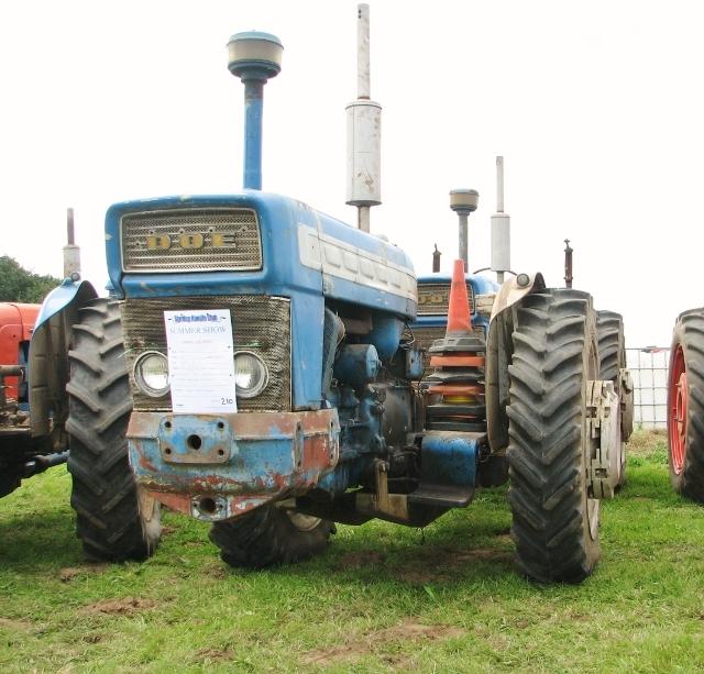 1965 Doe 170 dual drive tractor