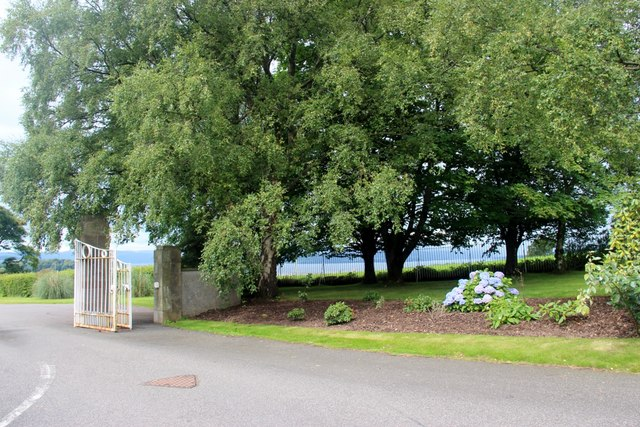 The gate to Cardross Cemetery and Crematorium
