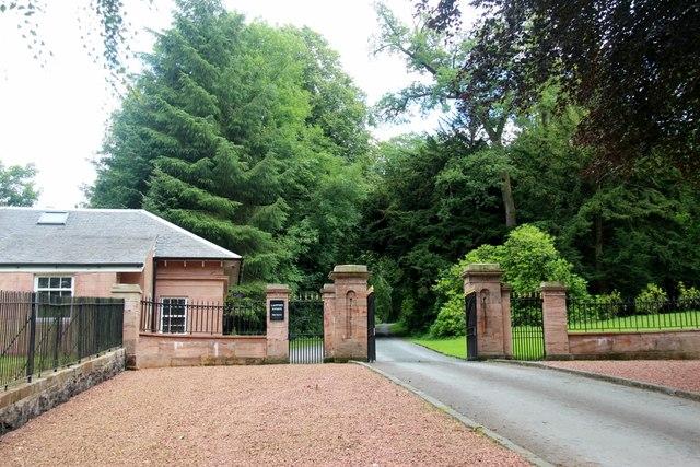 Gateway to Lanfine Estate