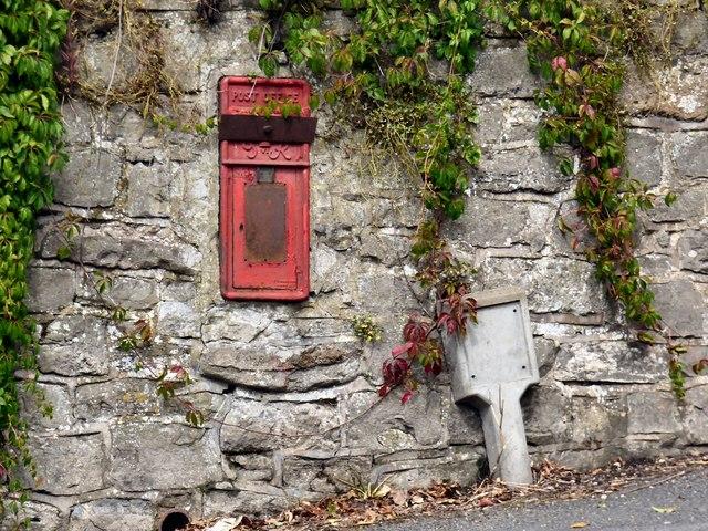 Disused George VI postbox