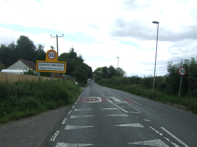 Entering Earith Bridge