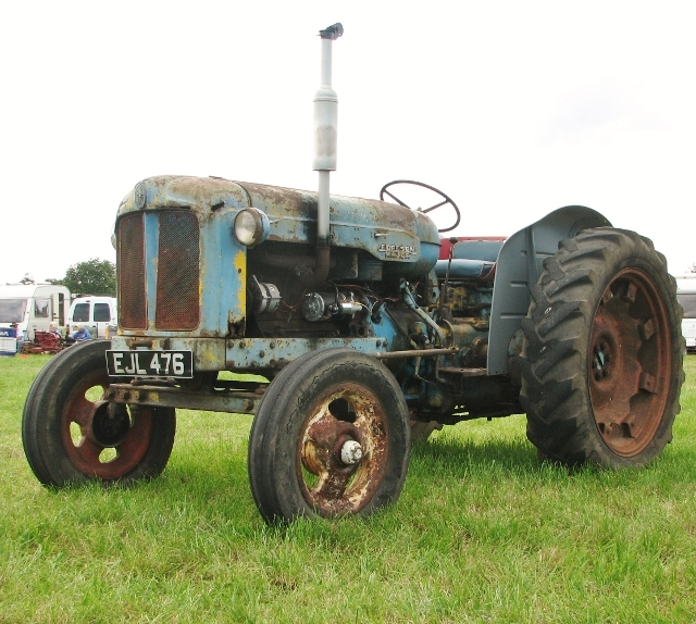 Fordson (E27N) Major tractor
