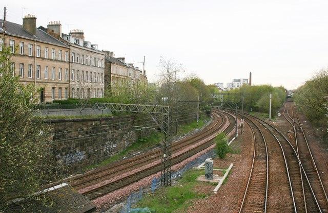 Railway between Pollokshaws West and Pollokshaws East stations